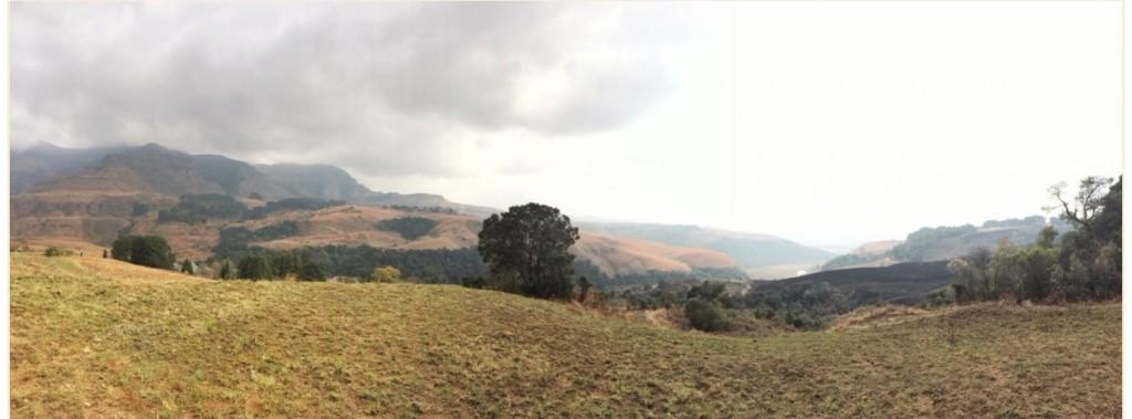 drakensberg-mountains-hike-view